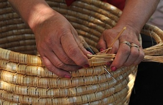 PEN KNITTING – MAKING WICKER BASKET